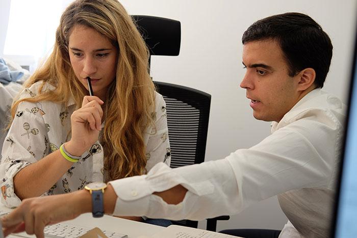 Claudia Cuevas y Javier Escribano